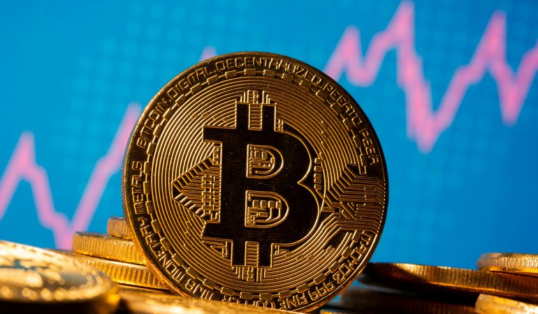 Benefits and Risks of Bitcoin